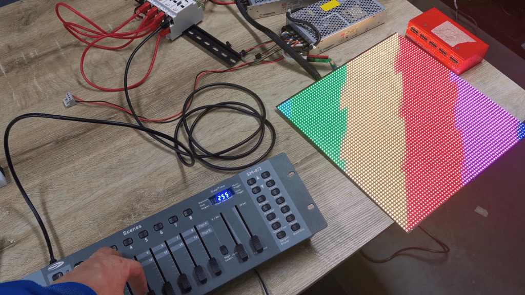 4 SPI LED controllers triggered by DMX console. Here you can see what level of precision in synchronization. A non-perfect synchro of complicated effect can be seen with DMX console.
